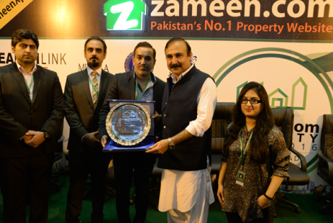 CEO Zameen.com Zeeshan Ali Khan with State Minister of CA&DD Dr Tariq Fazal Ch and others.png