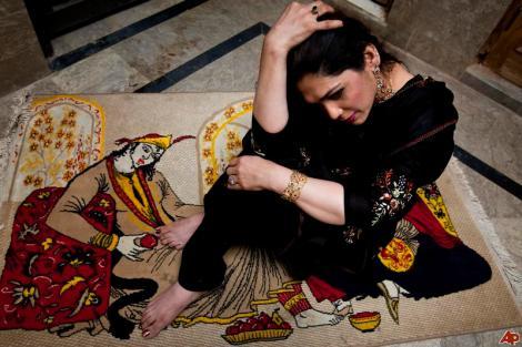 pakistan-transgender-2010-2-6-19-47-28