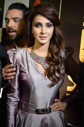 %5bpress-release%5d-star-studded-premieres-for-lahore-se-aagey-held-nation-wide-8